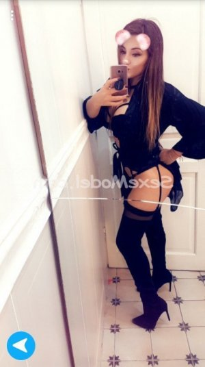 Chanda escort massage sexy à Albertville