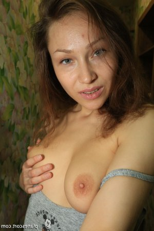 Nise escorte girl massage à Saint-Flour